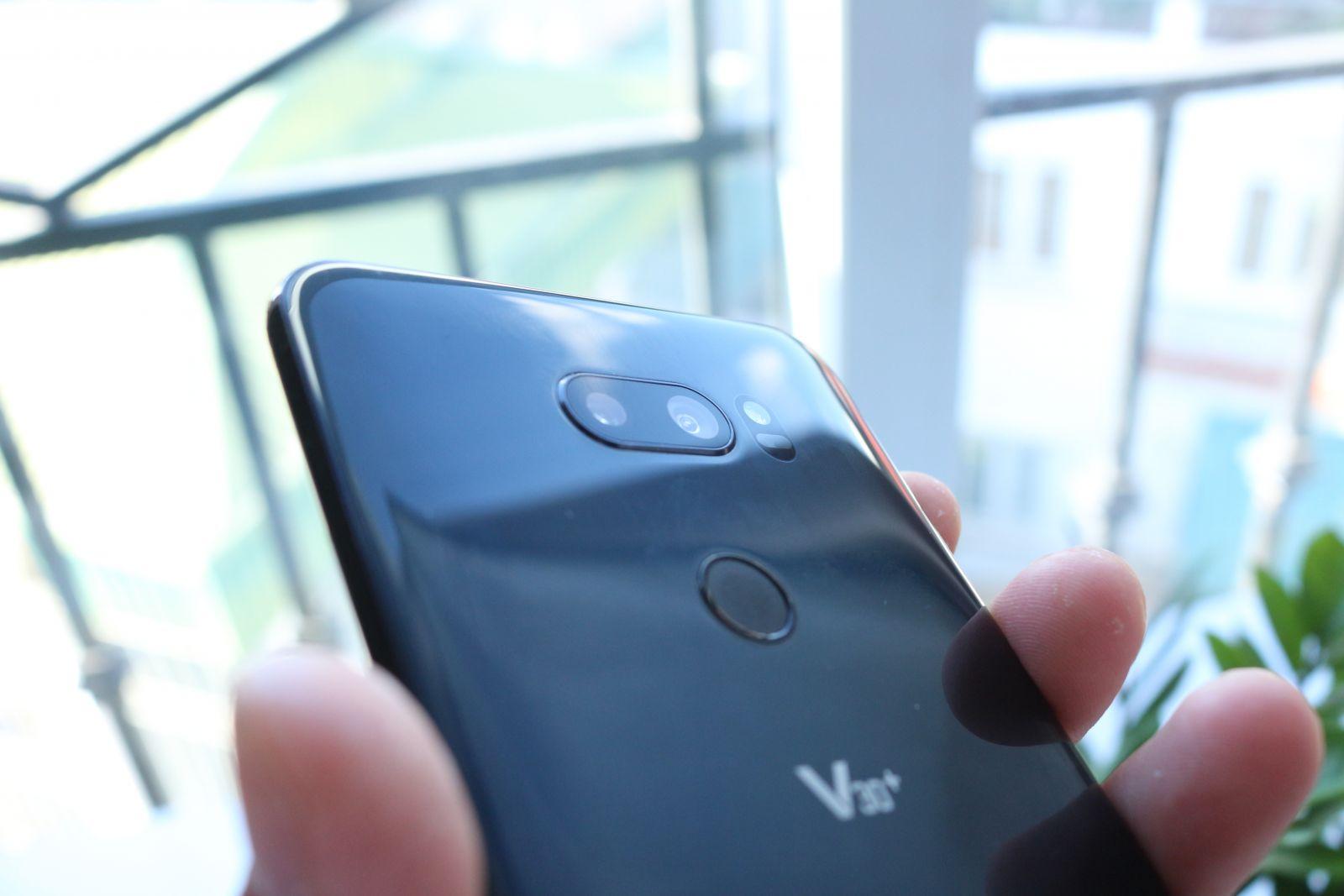 Camera trên LG V30 Plus xách tay