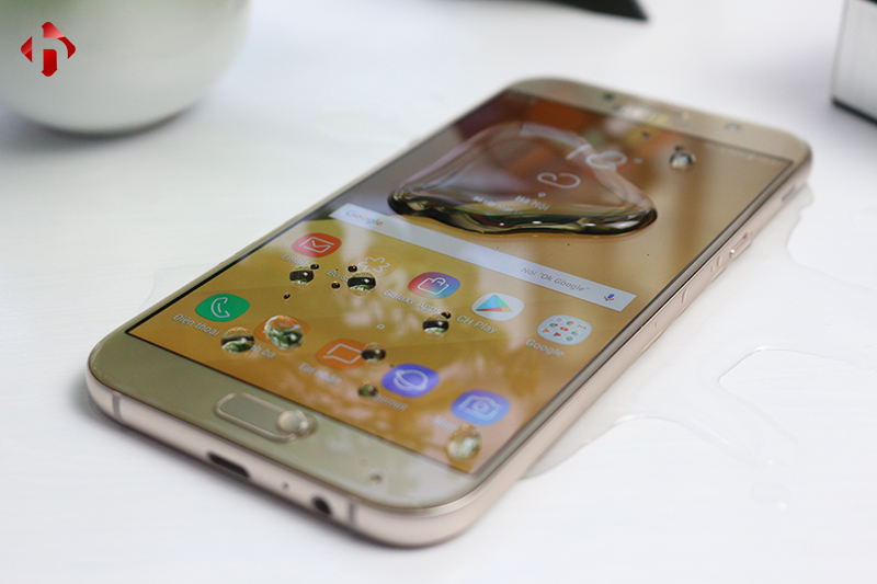 Samsung Galaxy A7 2017 hỗ trợ chống nước iP68