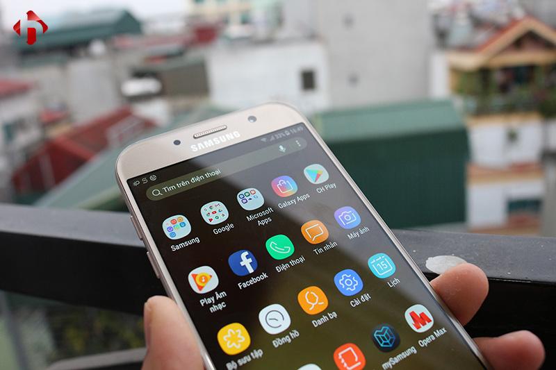 Giao diện Samsung Experience trên Galaxy A7 2017