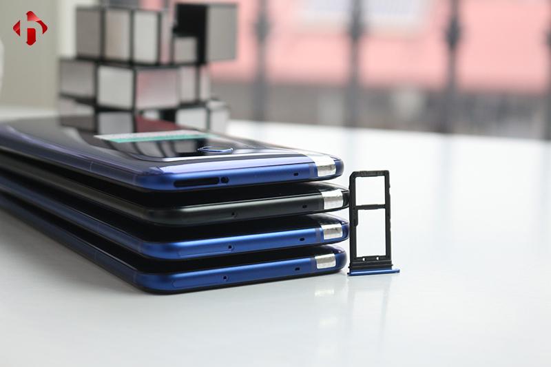 Cạnh trên của HTC U11 Mỹ