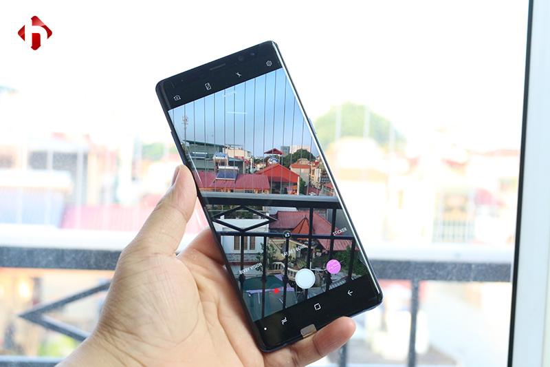 Camera kép, chụp ảnh ấn tượng nên Note 8