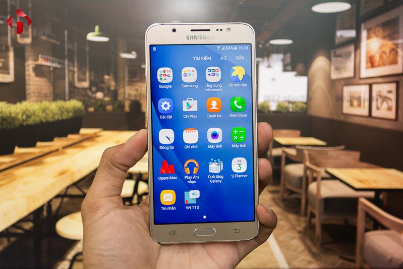 Samsung Galaxy J7 2016 chính hãng