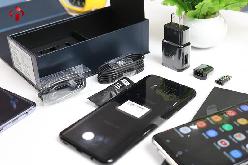 Phụ kiện đi kèm Samsung Galaxy S8 Plus Mỹ