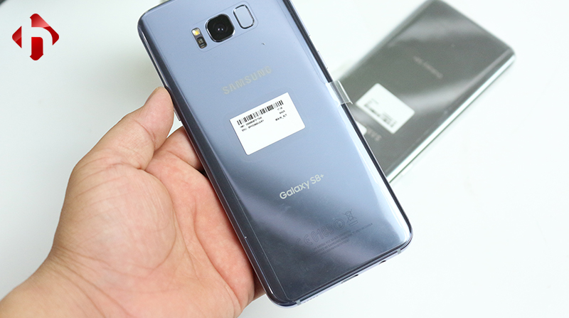 Thiết kế mặt sau của Galaxy S8 Plus