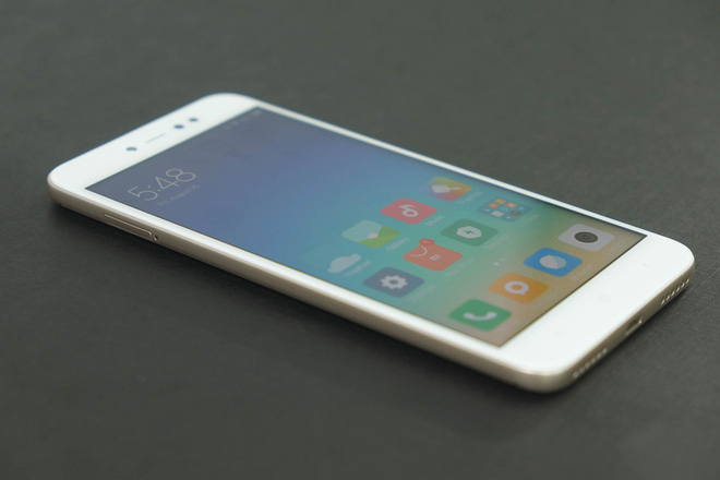 Mặt trước Xiaomi Redmi Note 5A