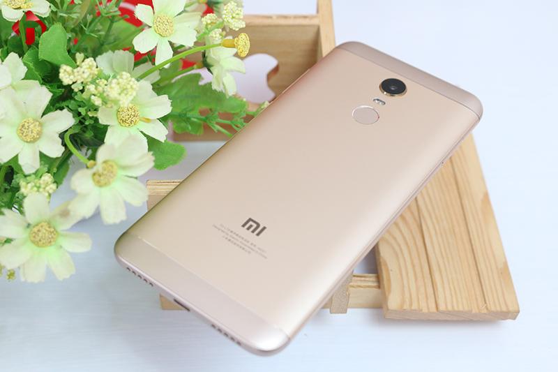 Mặt sau Xiaomi Redmi 5 Plus