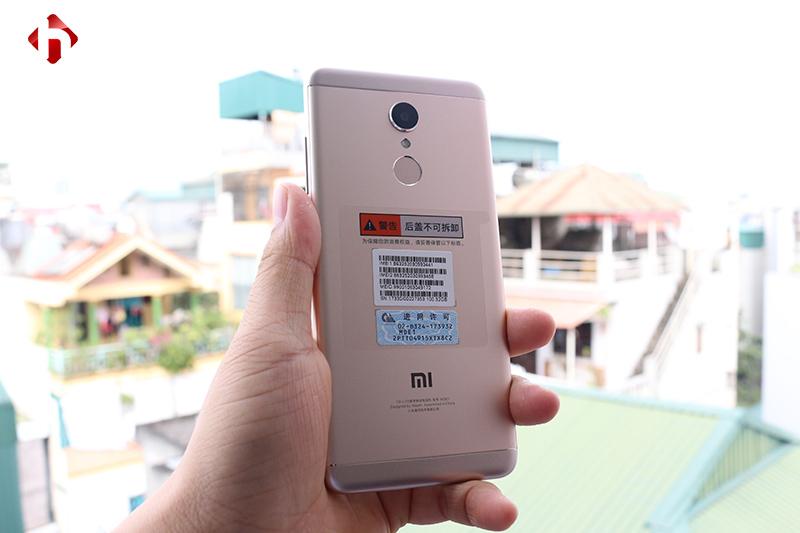 Mặt sau của Xiaomi Redmi 5