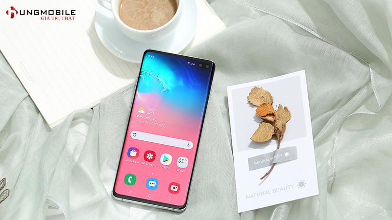 Màn hình trên Samsung S10 Plus Mỹ