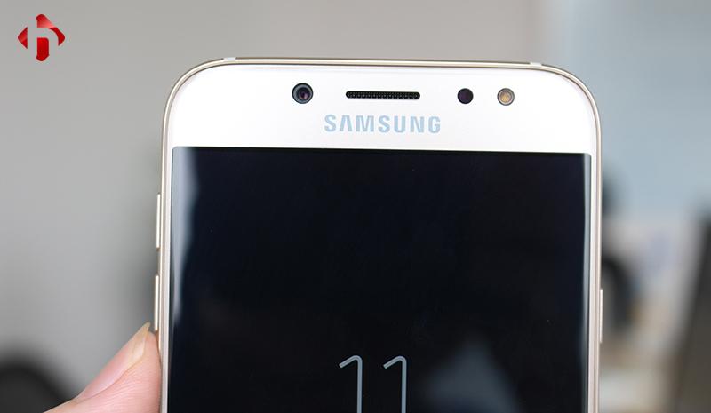 camera trước trên Samsung galaxy J7 pro