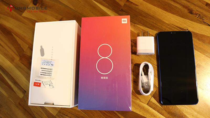 Mở hộp Xiaomi Mi 8 Lite: Lấp lánh ánh xanh với kiểu màu Gradient độc đáo