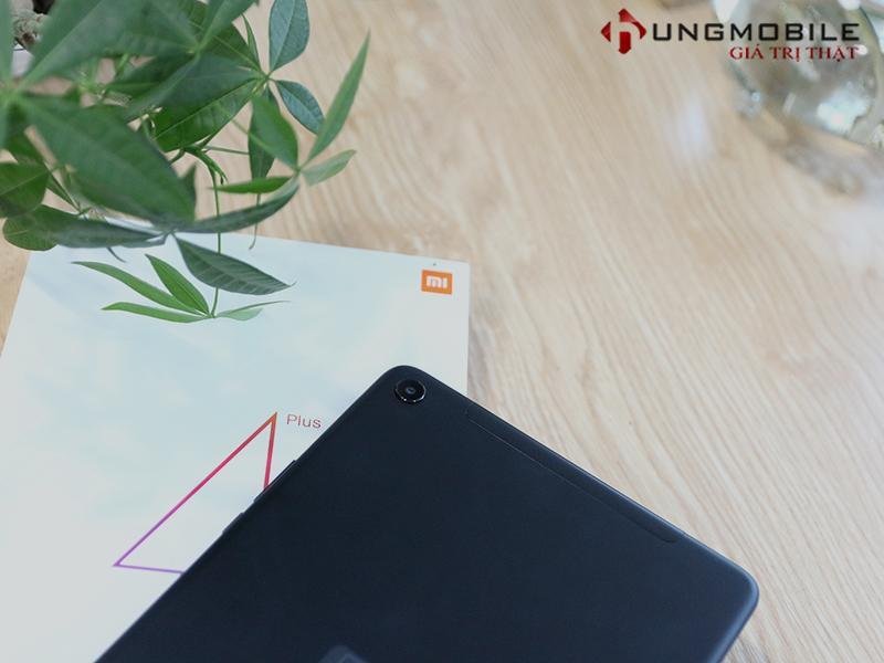 So sánh Mi Pad 4 Plus, iPad (9.7) 2017: Apple nên bắt đầu cảnh giác với Tablet Xiaomi