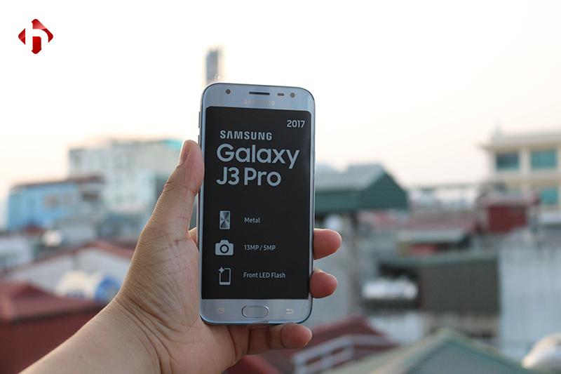 Mặt trước Samsung Galaxy J3 Pro 2017