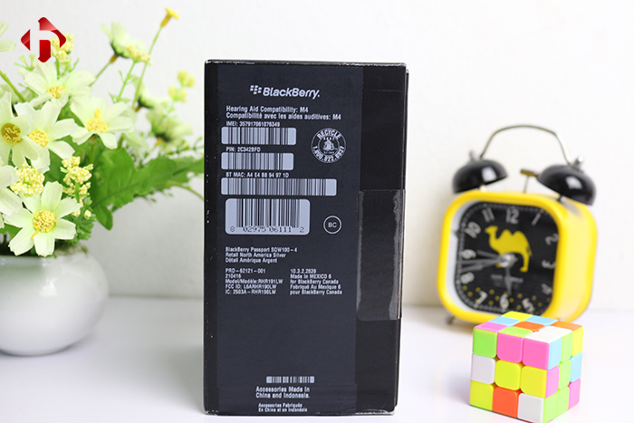 Tem seal 7 màu trên Blackberry Passport Silver