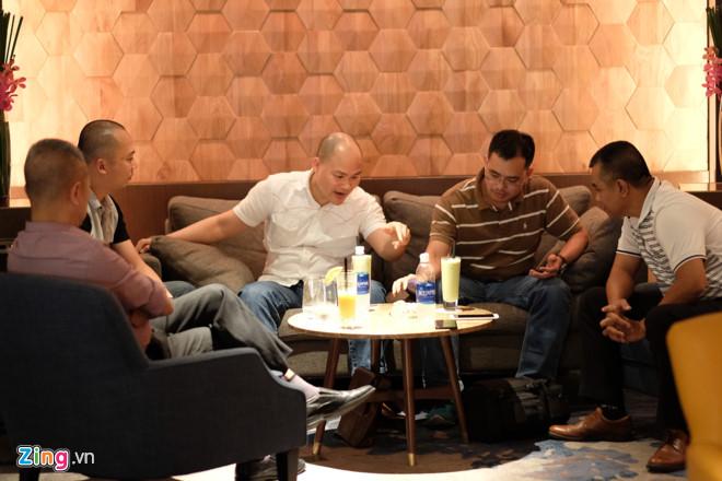 Nguyễn Tử Quảng gặp mặt lãnh đạo của thế giới di động về việc bán lẻ Bphone