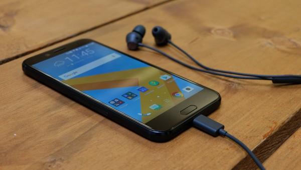 """HTC 10 Evo có màn hình lớn 5.5"""", độ phân giải 2k"""