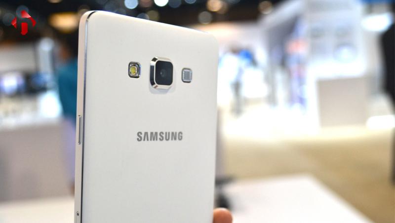 Camera trên Galaxy A7 2015 thiết kế khá lồi