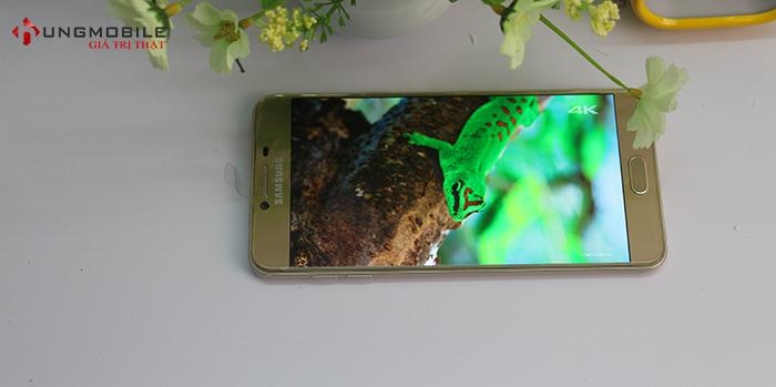 Samsung Galaxy C5 có màn hình đẹp