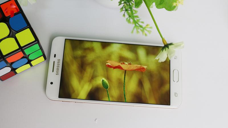 Chất lượng màn hình trên Samsung Galaxy On7 2016