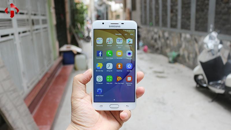 Phần mềm trên Galaxy On7 2016