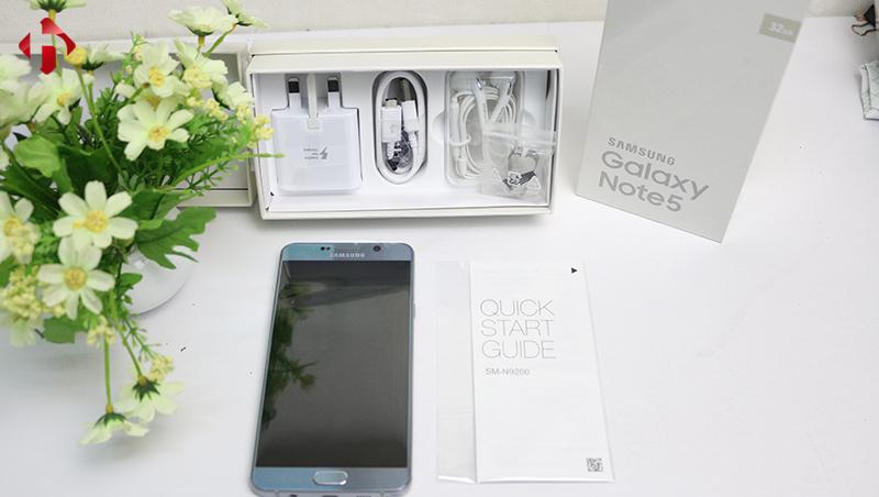 Toàn bộ phụ kiện đi kèm theo máy Galaxy Note 5 Quốc Tế 2 sim