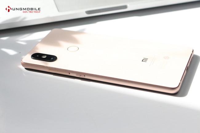 Xiaomi Mi 8 SE 6GB/64Gb
